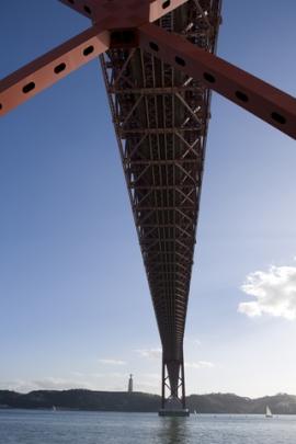 bridge-of-25th-april-1974